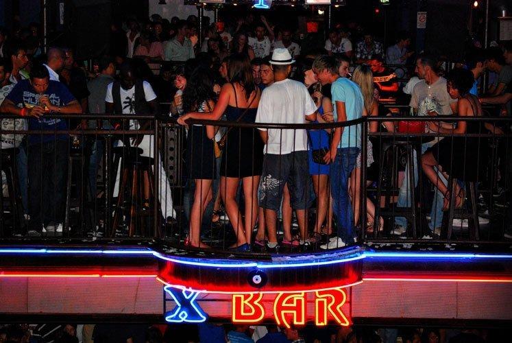 X Roof Bar
