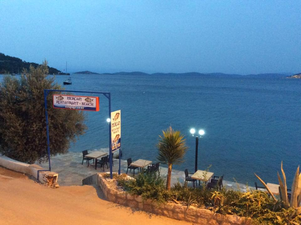 Mercan Restaurant & Beach