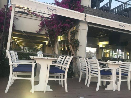 Boom Cafe & Bar